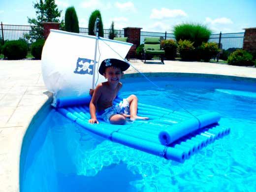 barco-churros-piscina