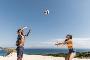 juegos para hacer en la playa con amigos